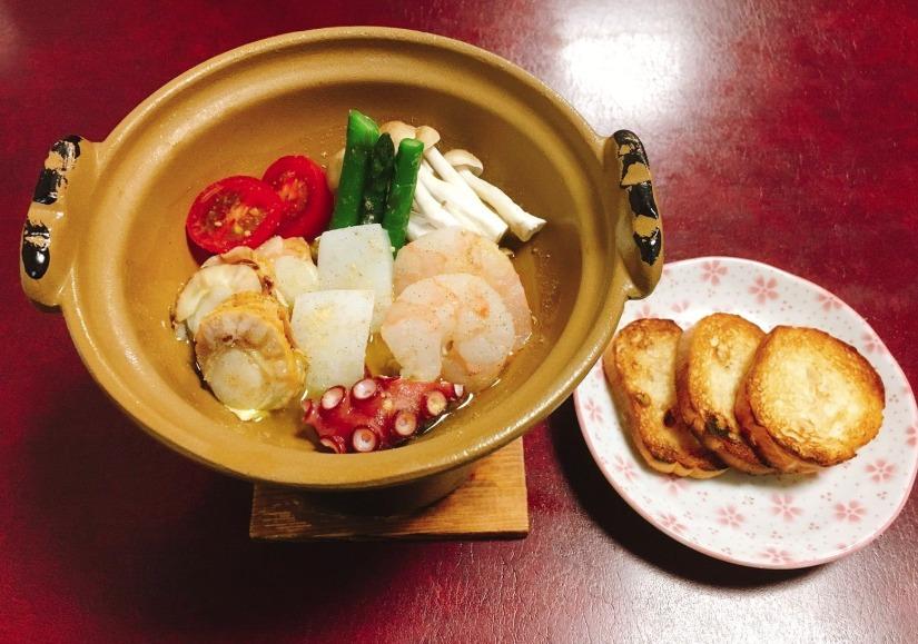 魚介のアヒージョ(650円)
